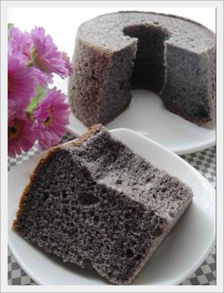 chleb z czarnej mąki