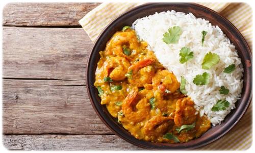 curry z krewetkami i ryżem basmati