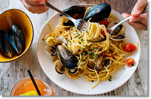 pasta spaghetti with mussels