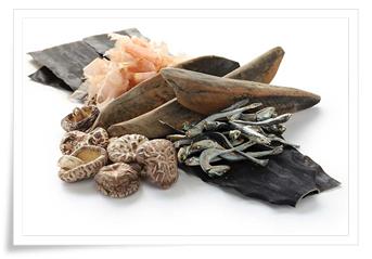 katsuobushi, shiitake, konbu, anchois